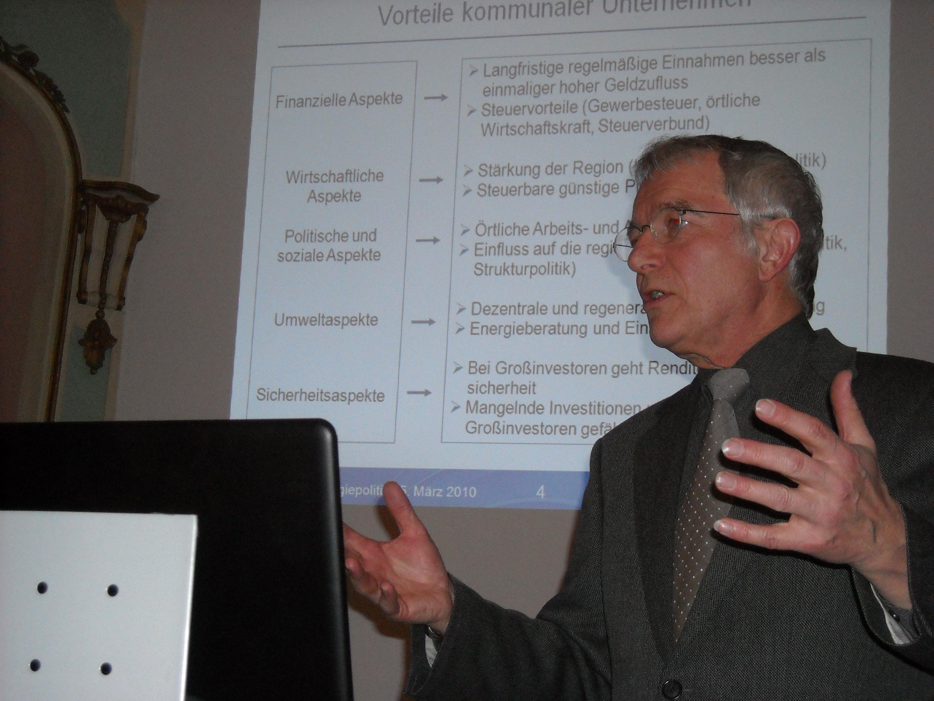 Dr. Dieter Attig 2010 in Lemgo